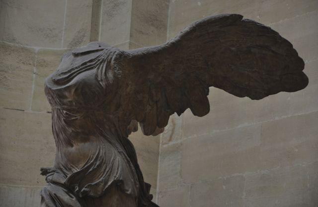 A Vitória de Samotrácia do Museu do Louvre.