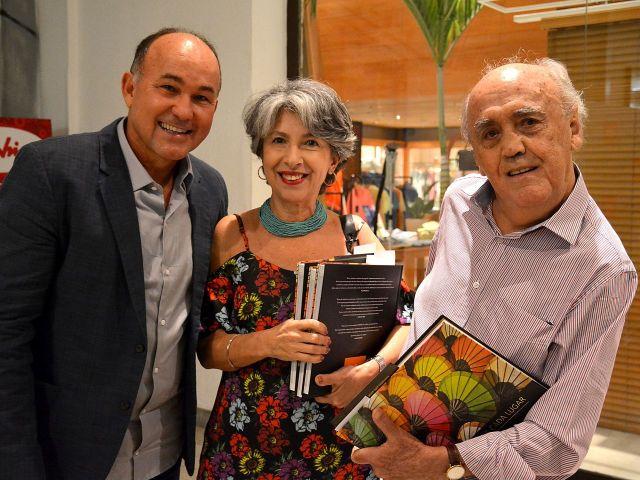 O jornalista e escritor Sebastião Nery e Beatriz prestigiaram o evento.