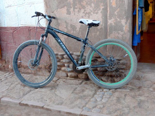 Devolvemos as bikes na Caracoles.