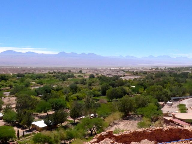 A bela vista lá de cima mostra o oásis de San Pedro de Atacama.