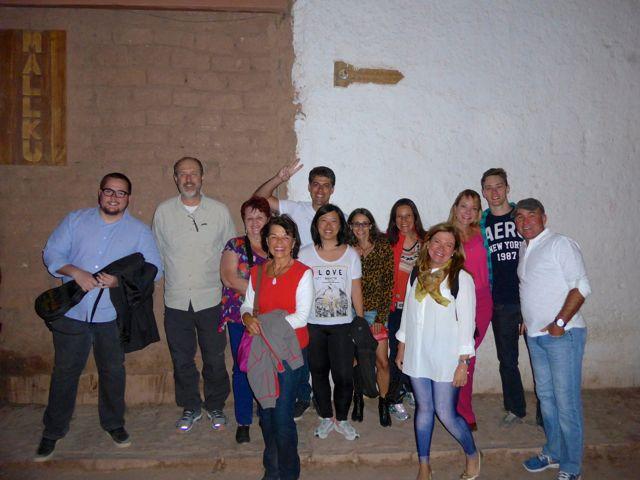 Encontramos com o grupo na Rua Caracoles.