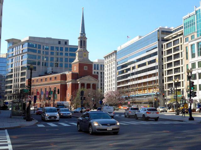 A cidade de Washington possui avenidas largas e bem planejadas.