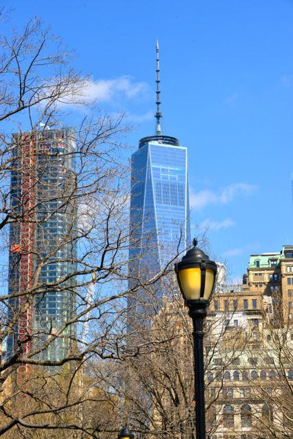 Prédios históricos e modernos dividem o espaço no Financial District.