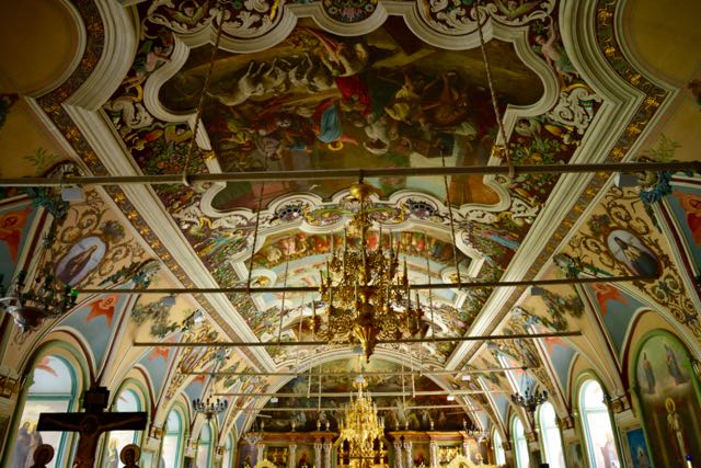 O interior da Igreja de São Sérgio.