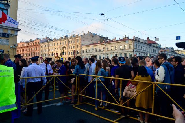 Ruas privatizadas no centro de São Petersburgo.