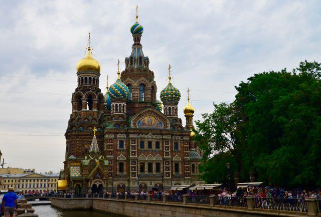 A maravilhosa Catedral do Sangue Derramado de São Petersburgo.