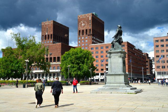 O edifício da Prefeitura de Oslo.