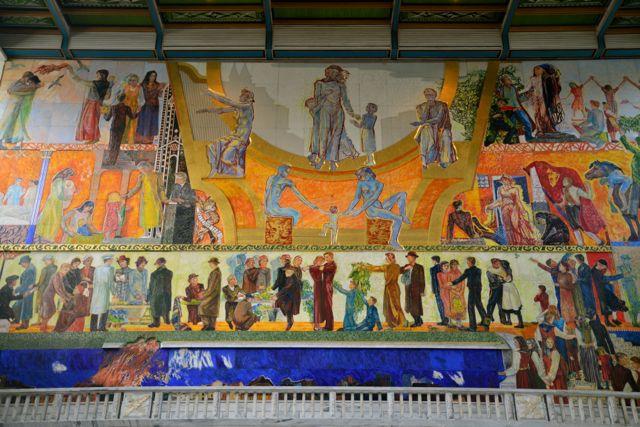 O salão principal da prefeitura, onde acontece a cerimônia de entrega do Prêmio Nobel da Paz.
