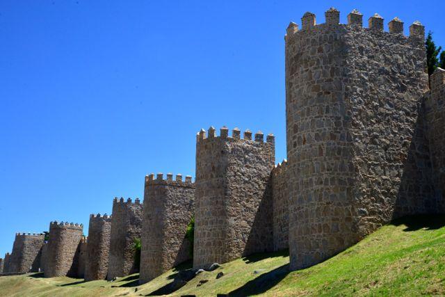 Os torreões da muralha de Ávila.