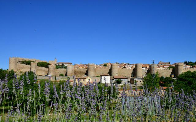 A vista das muralhas de Ávila a partir do restaurante Almacen