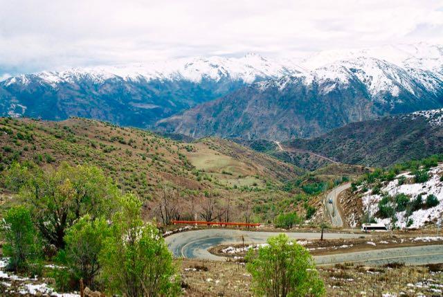 57 curvas acentuadas até chegar ao Valle Nevado.