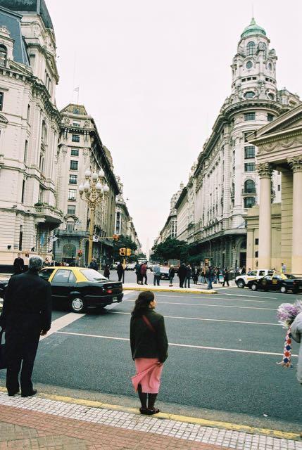 Avenidas largas em Buenos Aires